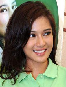 Kabar bahagia datang dari artis cantik Dian Sastrowardoyo. ;) Istri ...