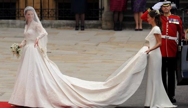Tak Lama Lagi Gaun Pengantin Kate Middleton Akan Mendunia