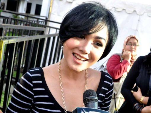 Berita Hari Ini Pinterest: Berita Selebritis Indonesia Mancanegara Terbaru Terpopuler